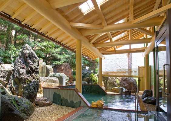 本格庭園露天風呂